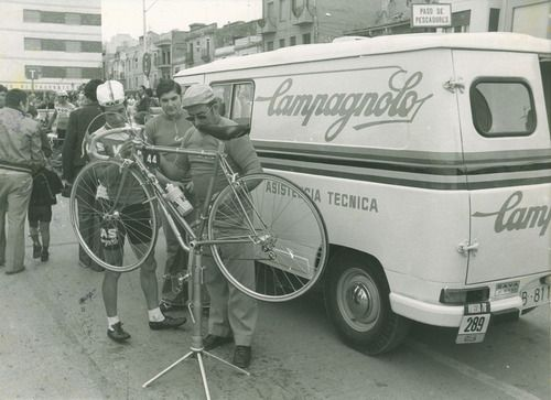 cycleboredom: cadenced: Stunning collection of Campagnolo...