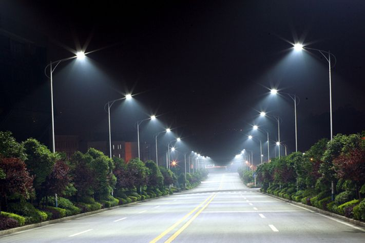 NYC to convert all 250,000 street lights to efficient LEDs by 2017 to decrease costs #LED #goodthinking #efficiency #NYC #futuretrends #trendsetter