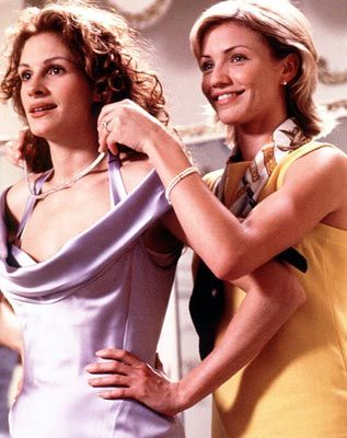 picture-of-julia-roberts-bridesmaid-gown-in-the-movie-my-bestfriend-wedding-2
