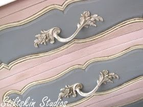 Antoinette pink and Paris grey Chalk Paint® by Annie Sloan, love the contrast of the panels