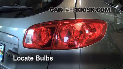 Brake Light Change 2007-2012 Hyundai Santa Fe - 2009 Hyundai Santa Fe Limited 3.3L V6