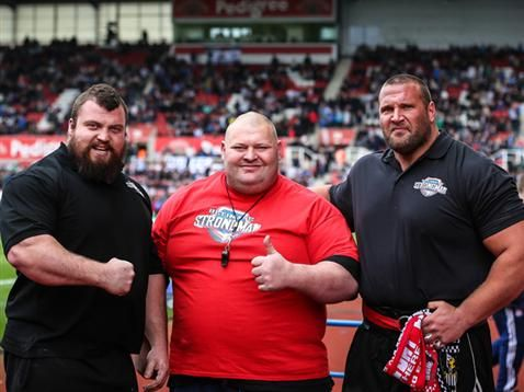 Eddie Hall (l) and Terry Hollands (r) with promoter Glenn Ross ahead of Ultimate Strongman 2014
