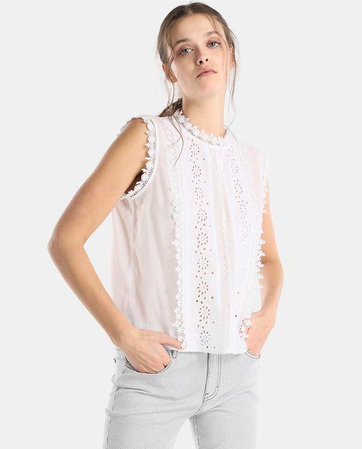 b72643ad Blusa de mujer Tintoretto con guipur y bordado | Spring Summer 2018 ...