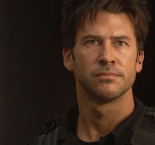 joe flanigan   - Stargate Atlantis - John Sheppard