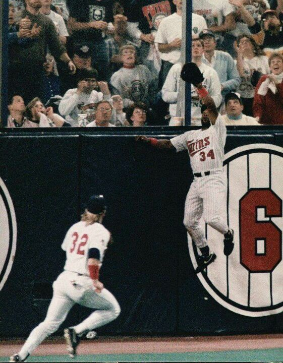 Kirby Puckett with the game changing catch. Favorite baseball player of all time, he is THE Minnesota Twins
