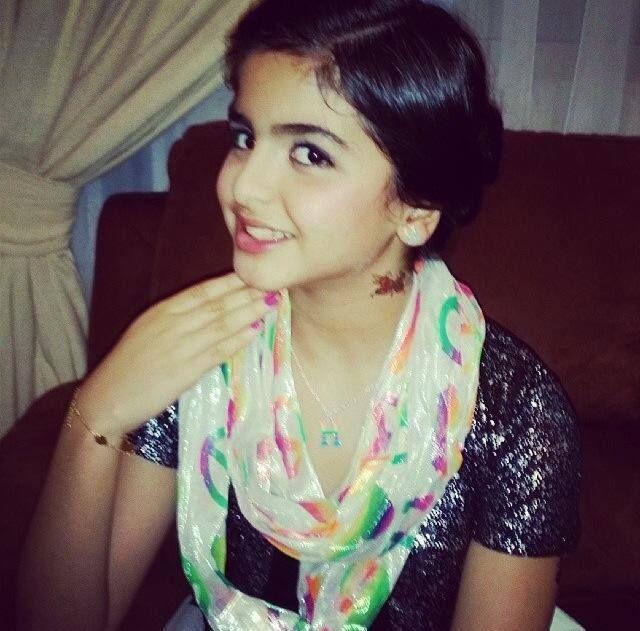 Hala Al Turk arabščina, rojena 15. maja 2002 je A-2187