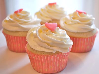 Small Batch Vanilla Cupcakes (makes 4 cupcakes) with vanilla buttercream frosting recipe
