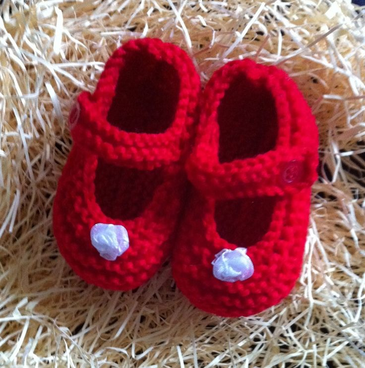 Little red shoes with white flowers. Size 0.