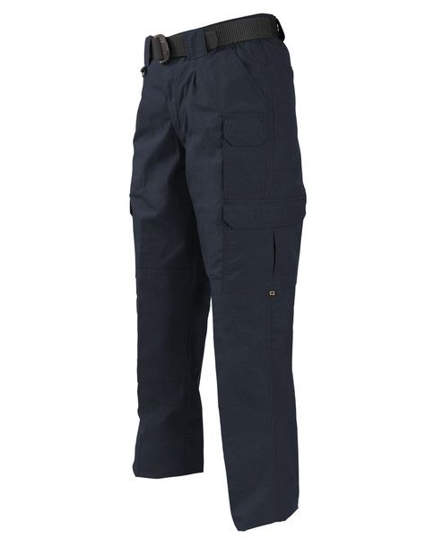 You demand a lot from your pants when you're on the move, and the PROPPER Tactical Pant delivers. Nine pockets hold everything from your smartphone to your mult