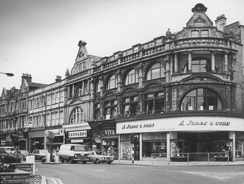 1960's? Jones shoe shop on the corner of Bradshawgate and Deansgate
