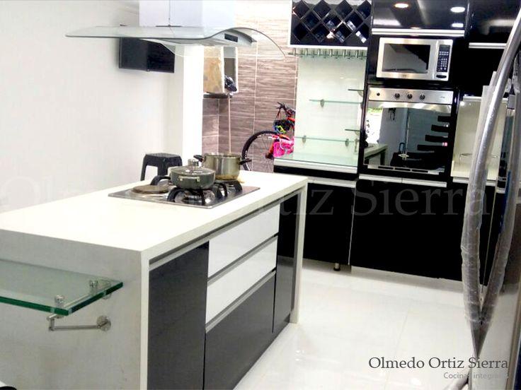Cocina Moderna con Isla. Diseño personalizado. #cocinasintegrales #cocinaintegral #diseñococinas