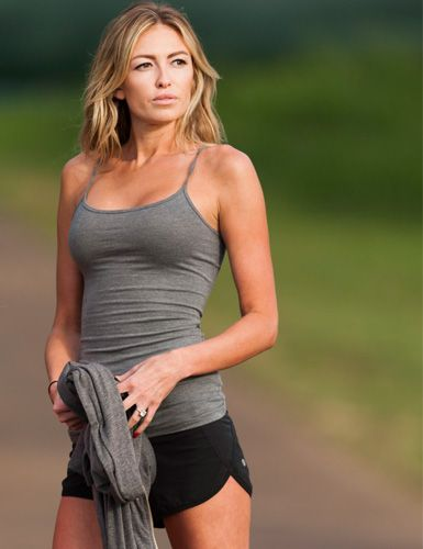 Paulina Gretzky  http://www.menshealth.com/guy-wisdom/hottest-women-of-golf/slide/16