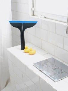 Splash  Splash!! Met de Splash trekker veeg je het water zo van de ramen. Makkelijk te gebruiken in de keuken of de badkamer.  #DeHuisman #DeHuisvrouw #DeMama #DePapa
