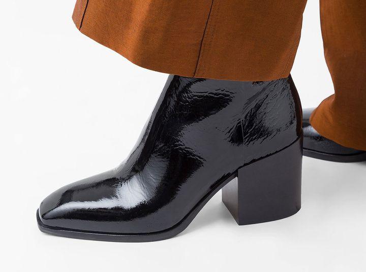 f48f45f6200ff8 Ankle Boots aus Lackleder lassen deinen Herbst-Look glänzen
