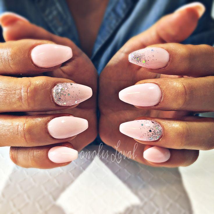 #leboudoirespacebeaute #ongleslaval #lavalnails #healtynails #naturalnails #babypink #glitter