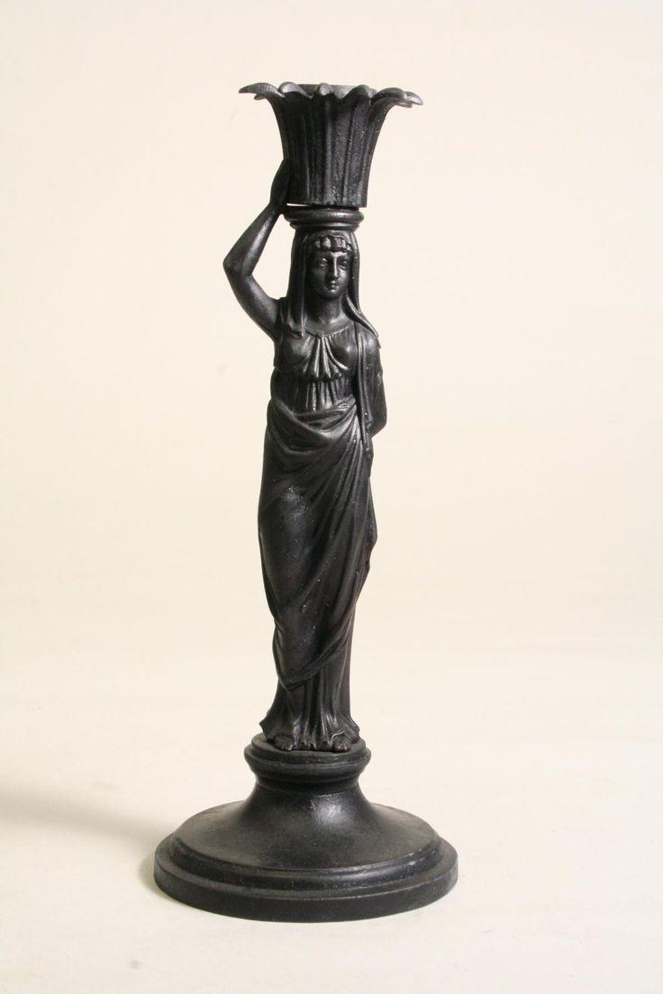 Tafelleuchter in Form einer Korbträgerin, um 1815 © Stadtmuseum Berlin