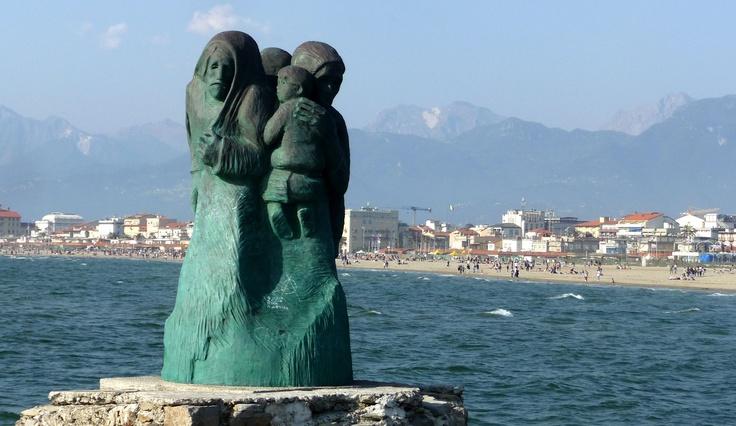 Viareggio (Lucca). 'L'Attesa' di Inaco Biancalana (1912-1991).