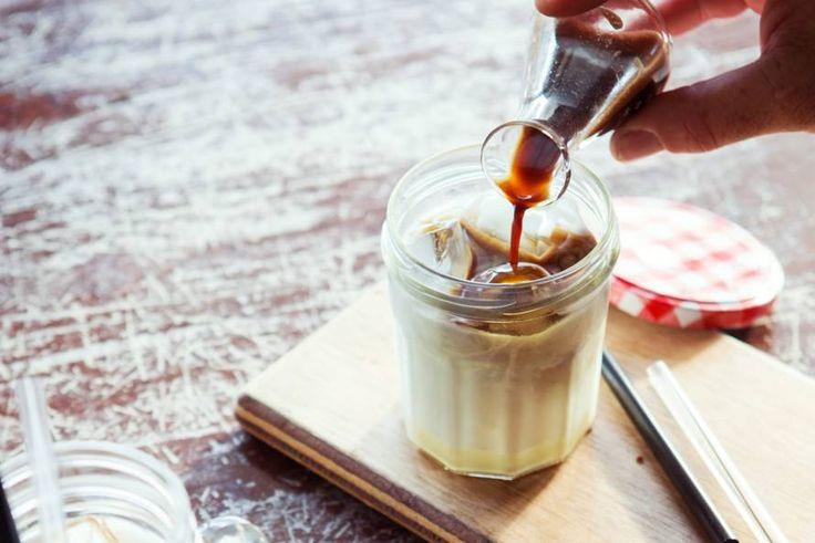Probeer eens deze koude versie van de oude, vertrouwde Irish coffee - Recept - Allerhande