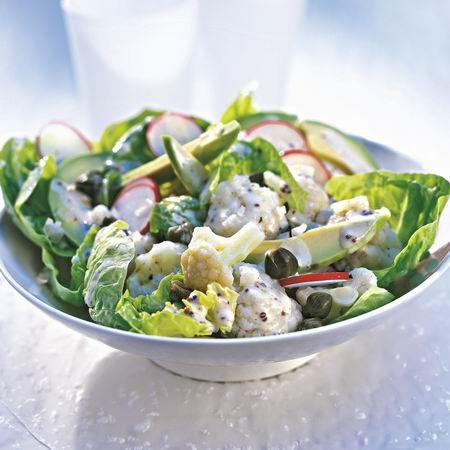 Karfiolos-avokádós saláta