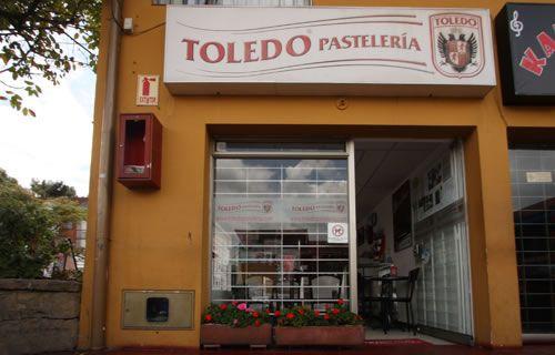 Suba - CRA 92 | Pastelerías Bogotá | La Toledo Pastelería Horario de atención: Lunes-Sábado 10:30 am-7:30 pm  Domingos 11:00 am-5:00 pm  NO ABRE LUNES FESTIVOS Dirección: Cra 92 # 144 - 50 Teléfono: 57(1) 682 5867 Parqueadero: Si