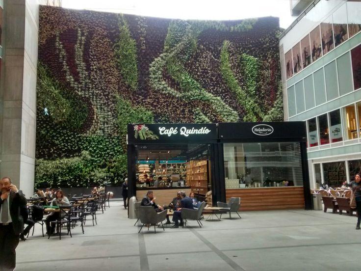 Tienda de Café Quindío, en el interior del Hotel BD Bacata de la Avenida calle 19, en el centro de Bogotá.