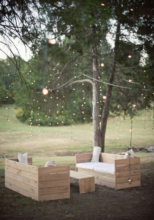 DIY outdoor seating: Idea, Outdoor Seats, Outdoor Furniture, Pallets Benches, Pallets Furniture, String Lights, Patio, Backyard, Diy