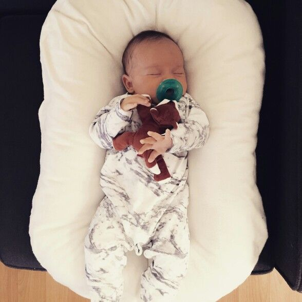 """ByLove amazonon May 5, 2016 ⭐⭐⭐⭐⭐. """"Amazing!!! The only place my baby would sleep. He had really bad reflux and I could lay him in this slightly elevated. Best gift I gave to him and me. Sleep is a wonderful thing. Thank goodness for this product."""" . #SnuggleMeOrganic#mamaswhoknow#cosleeping . #MagicPillow#thesleepunicorn#bestcolseepingbed#bestbabygift#modern . www.SnuggleMeOrganic.com"""
