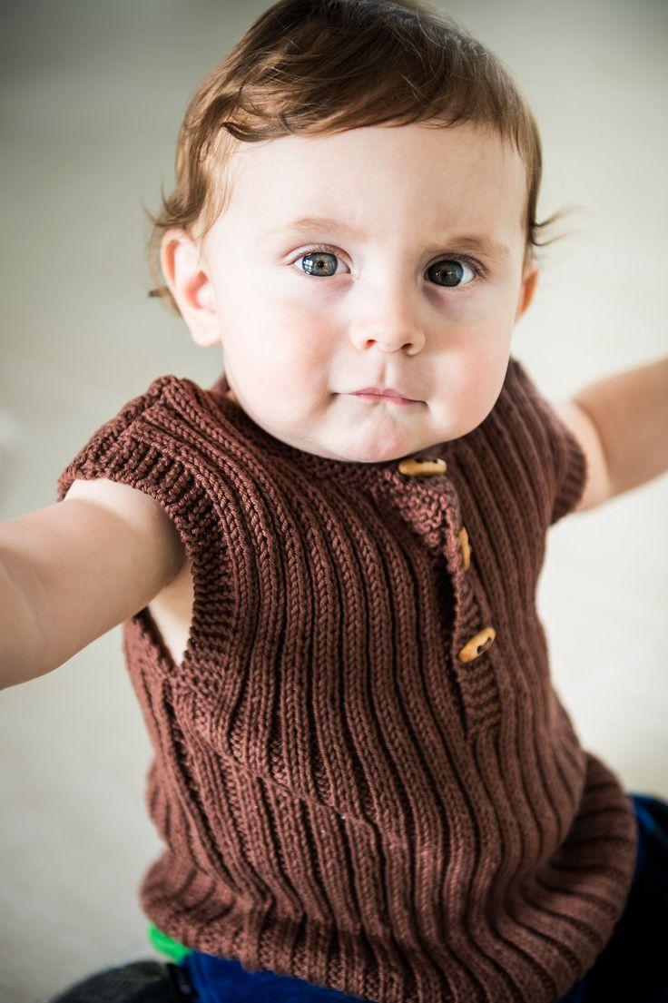 Baby ribvest samt sokker i Bumbo Cotton 8/4.