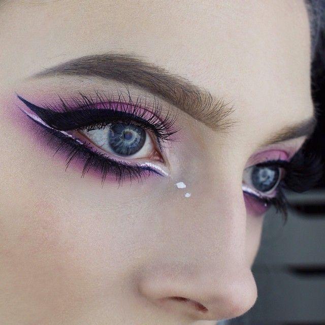 "Using @sugarpill shadows + @eyeko Visualeyes liquid liner + @nyxcosmetics white liquid liner & @velourlashesofficial in ""T Dot Oooh"""
