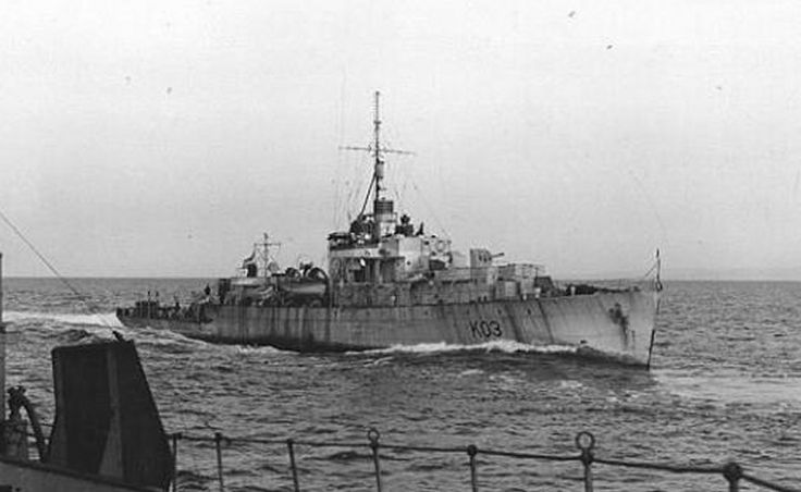 HMS Heliotrope (K 03) 1 Dec 1940 HMS Heliotrope (Lt.Cdr. J. Jackson, RNR) picks up 32 survivors from the British tanker Appalachee that was torpedoed and sunk by German U-boat U-101 about 340 nautical miles west of Bloody Foreland in position 54°30'N, 20°00'W.