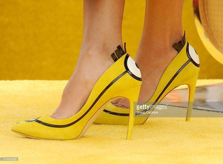 Photo d'actualité : Actress Sandra Bullock, shoe detail, arrives at...