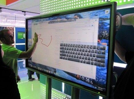 Microsoft will Tablets mit 80 Zoll Touchscreen und Windows 8 an die Wände bringen