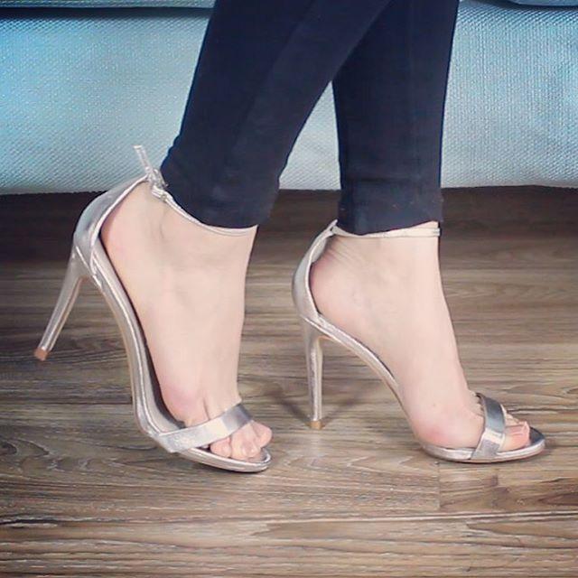 ¿Chicas, alguna vez han tenido malas experiencias comprando zapatos online? En el nuevo post del blog quiero compartirles algunos consejitos para comprar zapatos por internet sin ningún problema blog.fashion-riot.com