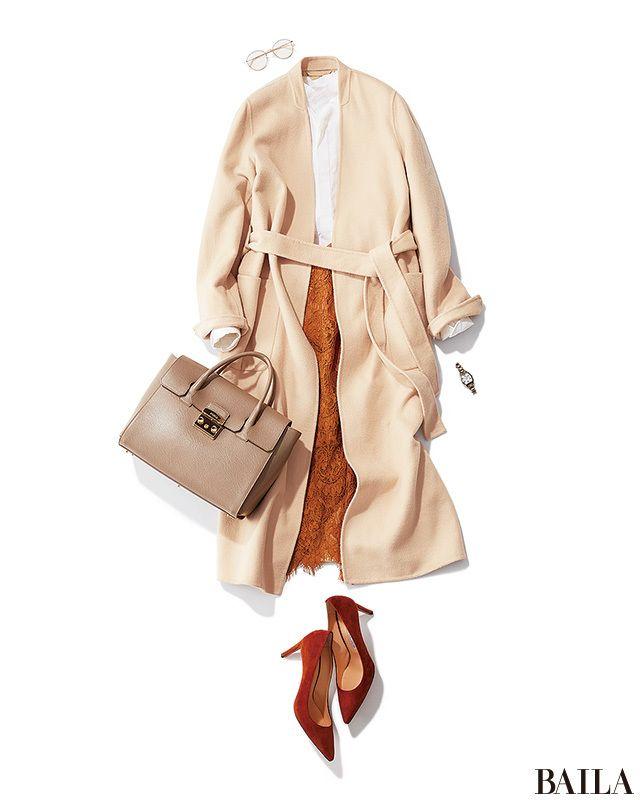 月曜の冴えない気分をしゃきっと仕事モードにしてくれる白シャツを使って、動きやすいパンツコーデを! 白〜ブラウンのワントーンコーデなら簡単に美女感スタイルに。ポイントは、ガウン風のはおりのベルトを締めて、ウエストを強調すること。このひと手間で、スタイルアップ&女っぽさがぐっと上がり・・・