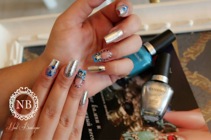 Nails-Silver and blue mixing colours