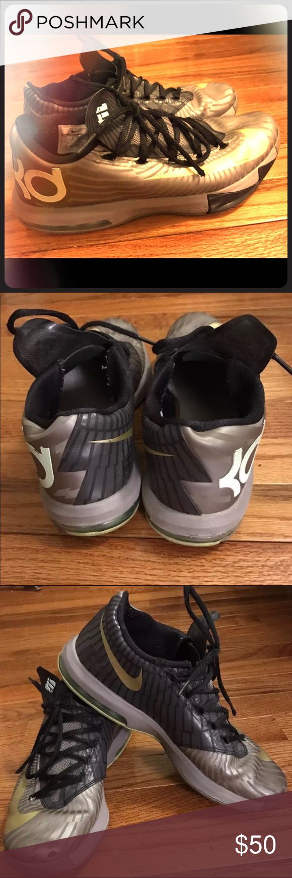 Nike KD precision timing VI men's size 9 sneakers Nike KD VI Metallic Silver and Gold size 9 men's sneakers. No box. Does have some signs of wear. Please look at photos! 👟🏀💙 Nike Shoes Athletic Shoes