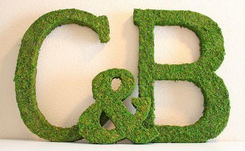 DIY: números y letras de musgo para bodas