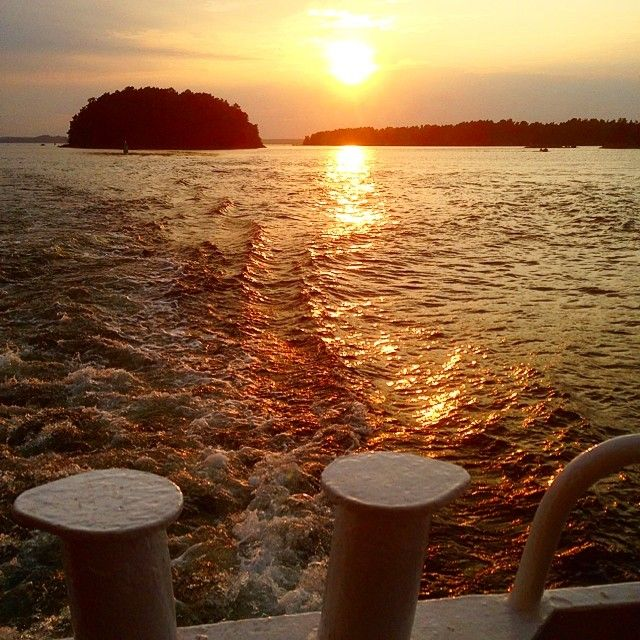 #sunset #msvindhem #vindhem #archipelago #stockholm #sweden #sverige #vågsvall #ocean #sommar #summer