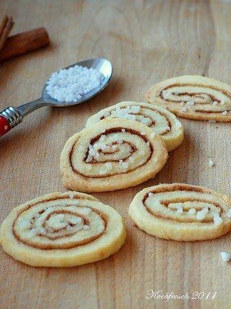 Allerorten wird mit der Weihnachtsbäckerei begonnen. Bei Steph und Petra werden schon fleißig Listen gesammelt - praktisch, auch ich habe ...