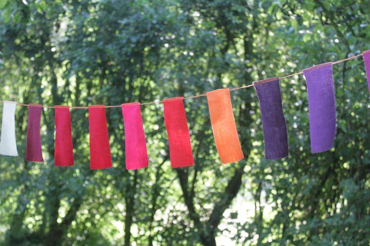 DIY: Kleurrijke vlaggenlijn maken van restjes stof