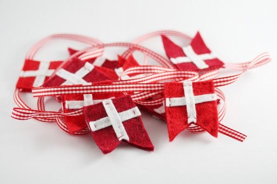 Flag ornaments - danish | www.lonnies.dk/category/diy/page/2/ |