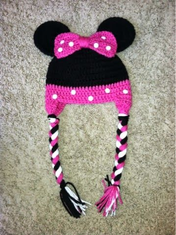 Crocheted Minnie Mouse hat @Jessica Kratchmer Do you think she could make one...