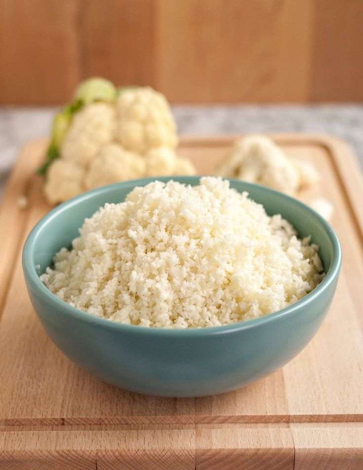 Step-by-step recipe that shows you how to make rice or couscous out of cauliflower. So easy, delicious, and healthy (yes, it's Paleo).