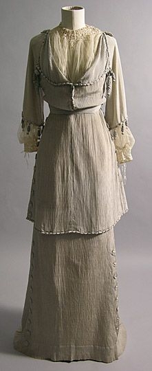 """Day Dress, c. 1912, silk and lace. """"This afternoon dress was worn by Maud Messel."""""""