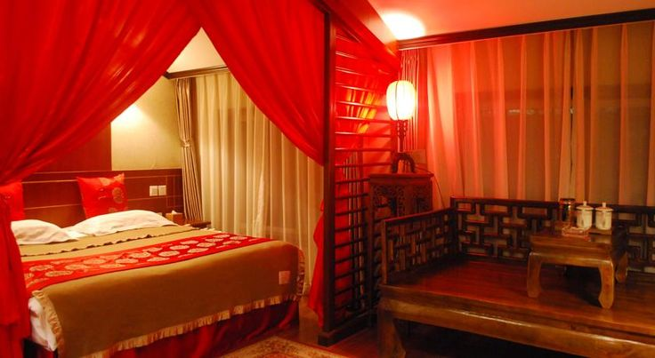 Xiao Yuan Alley Courtyard Hotel Beijing Xiao Yuan Alley Courtyard Hotel is a traditional Chinese courtyard-style hotel centrally located in the famous Beijing hutong area. It features rooms with free internet access and private bathrooms.