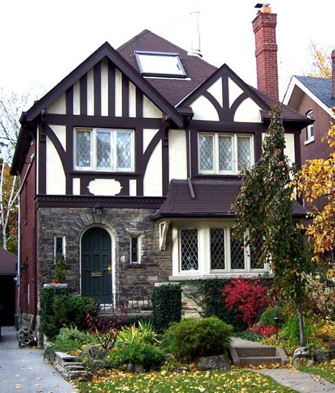Best 25 tudor homes ideas on pinterest tudor cottage for Tudor colonial style home