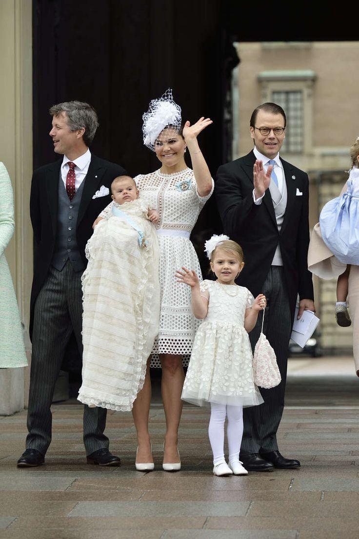 тизере фото королевы швеции с детьми оградок чите