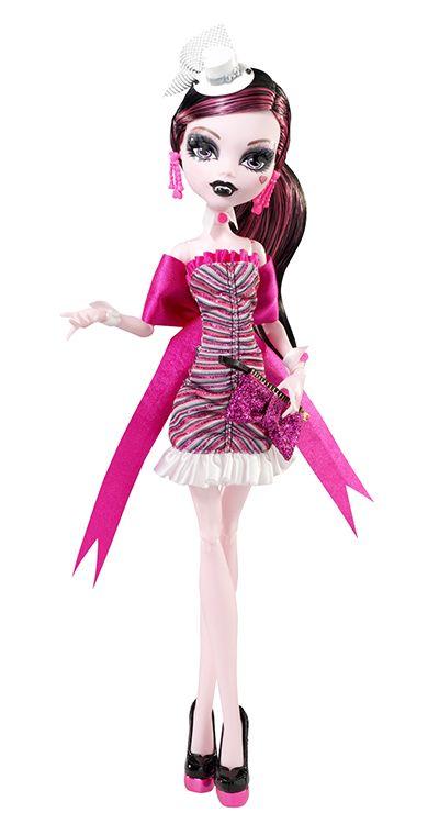 Draculaura de Monster High chica romantica   mejor amiga de Clawdeen  Wolf y de Frankie Stein y novia de Clawd  Wolf