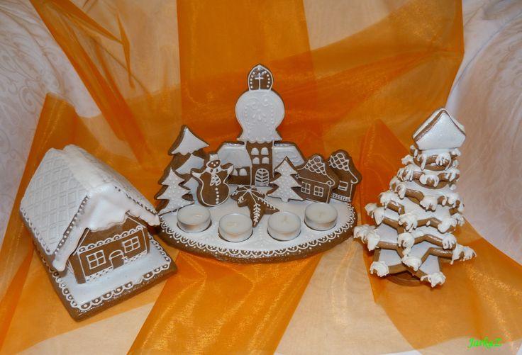 Christmas gingerbread - Advent candlestick, winter cottage, tree - medovníkový adventný veniec, chalúpka, stromček