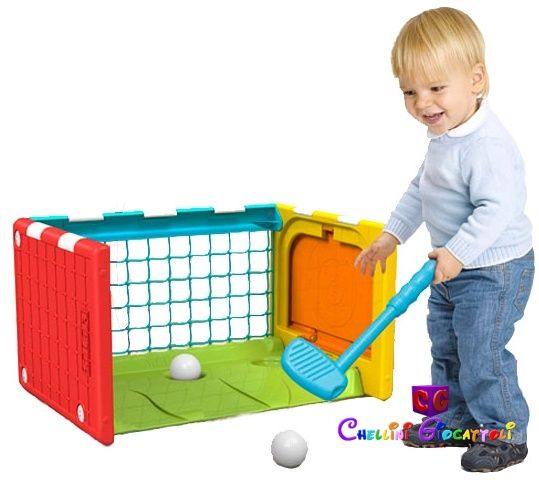Cubo Multisport (calcio, golf, basket), tavolo da appoggio, resistente e sicuro!  Si trasforma in:  -porta da calcio  -canestro da basket  -campetto da golf  -tavolino scuola